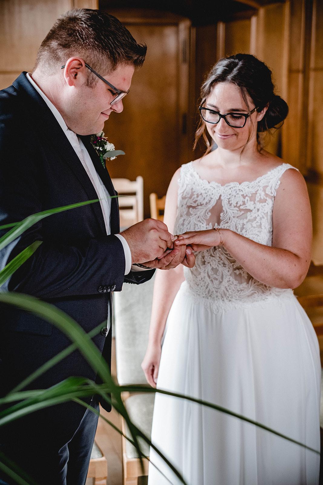 Hochzeit, Wedding, Standesamt, Braut, Bräutigam, Tübingen, Nürtingen, Stuttgart, Begleitung, Hochzeitstag, nürtingen, stuttgart, reutlingen, mittelstadt, esslingen, ringe, deko, strauss